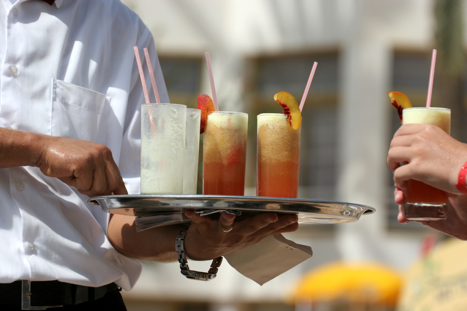 Summer Jobs in Food Service: Maximize on the Skills You Gain