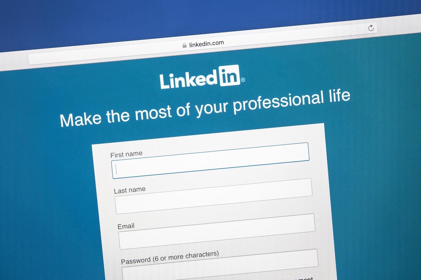 linkedin profile tips for job seekers