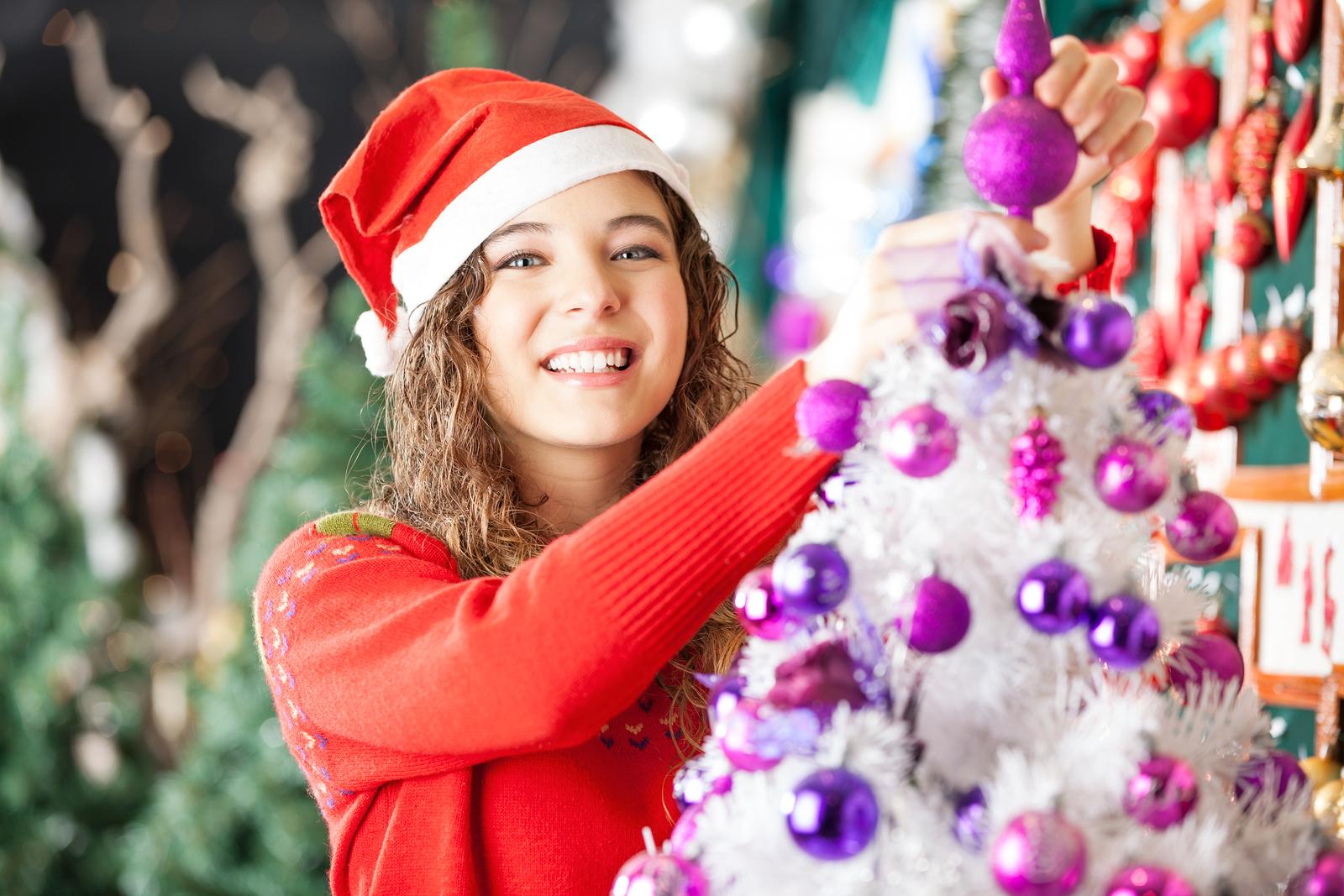 Holiday Hiring is Already Underway for Seasonal Retail Jobs
