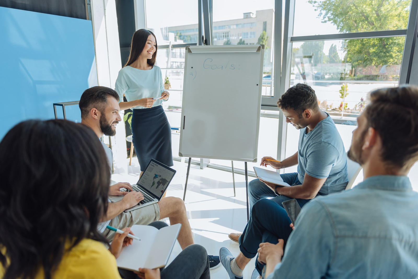how to promote effective communication in the workplace