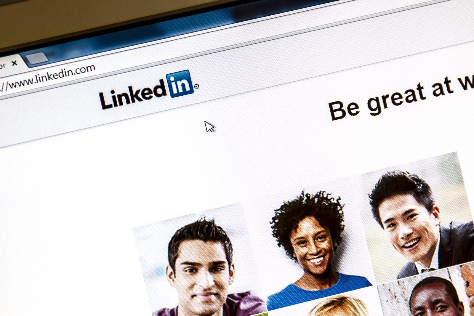 recruiting via linkedin